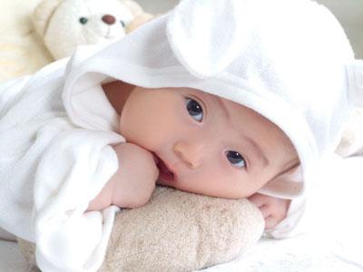 婴儿白癜风有什么症状?